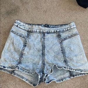 Bullhead zip up shorts